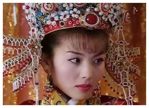 古装剧里头戴凤冠的女星,赵薇第三,范冰冰第五,第一的好美