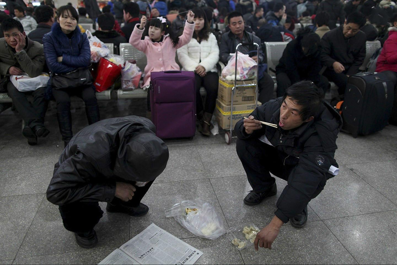春节前后 川籍农民工如何搭专列专车返乡返岗