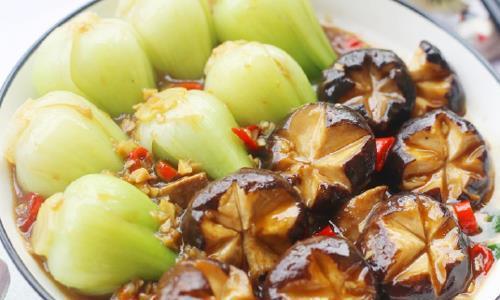 教你香菇油菜的家常做法,清爽又鲜美,好吃还下饭,拿肉都不换