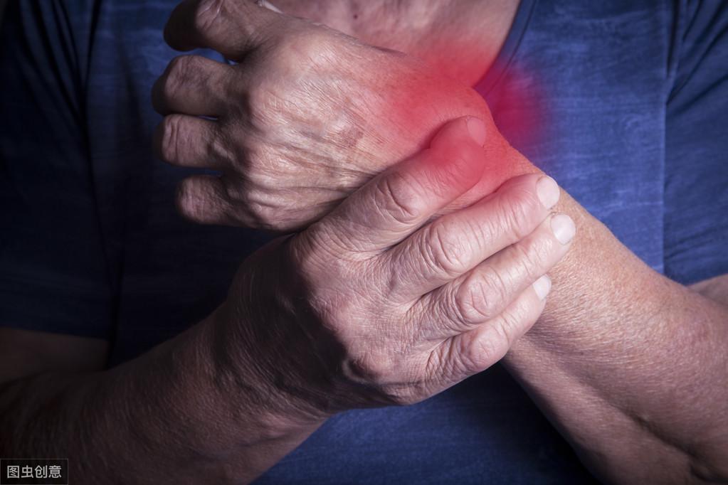 患类风湿关节炎想少受痛?药物治疗叠加糖皮质激素,顽症也不可怕