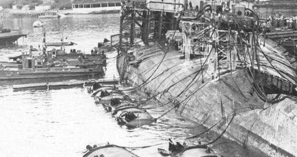 港内三万吨巨舰突然爆炸,608人葬身鱼腹,海军总司令被撤职