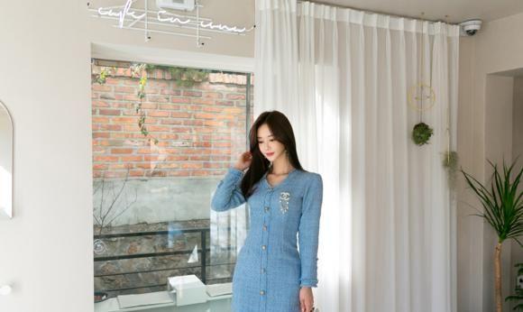 孙允珠:碧蓝星空水琉璃雨霖西装短裙写真