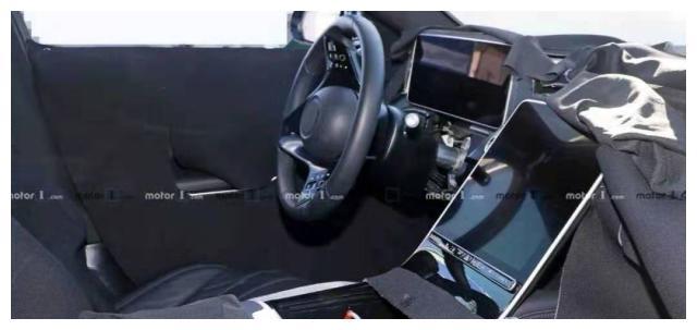 奔驰家族再出新款S级,高配置的性能,还看啥宝马7系