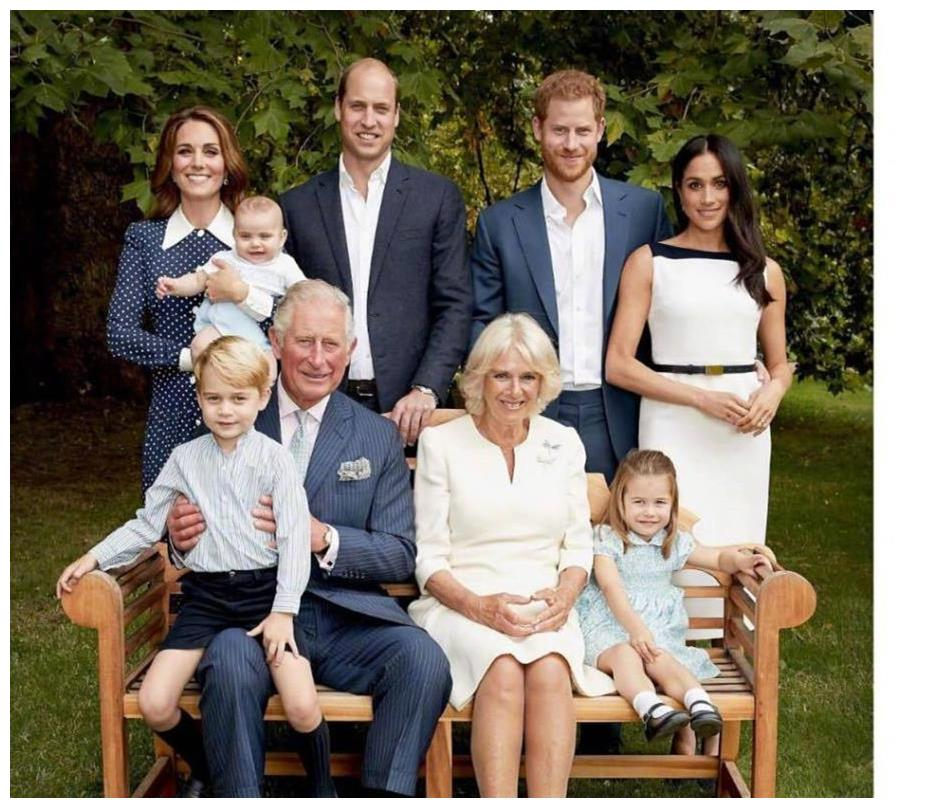 """查尔斯王子60岁生日全家照,卡米拉稳居""""正宫"""",怀念戴安娜王妃"""