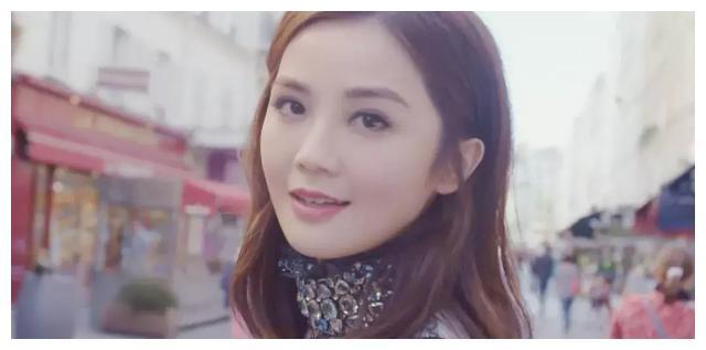 阿Sa将嫁富三代男友,男友将婚期定于年末,只为圆她夺奖美梦?