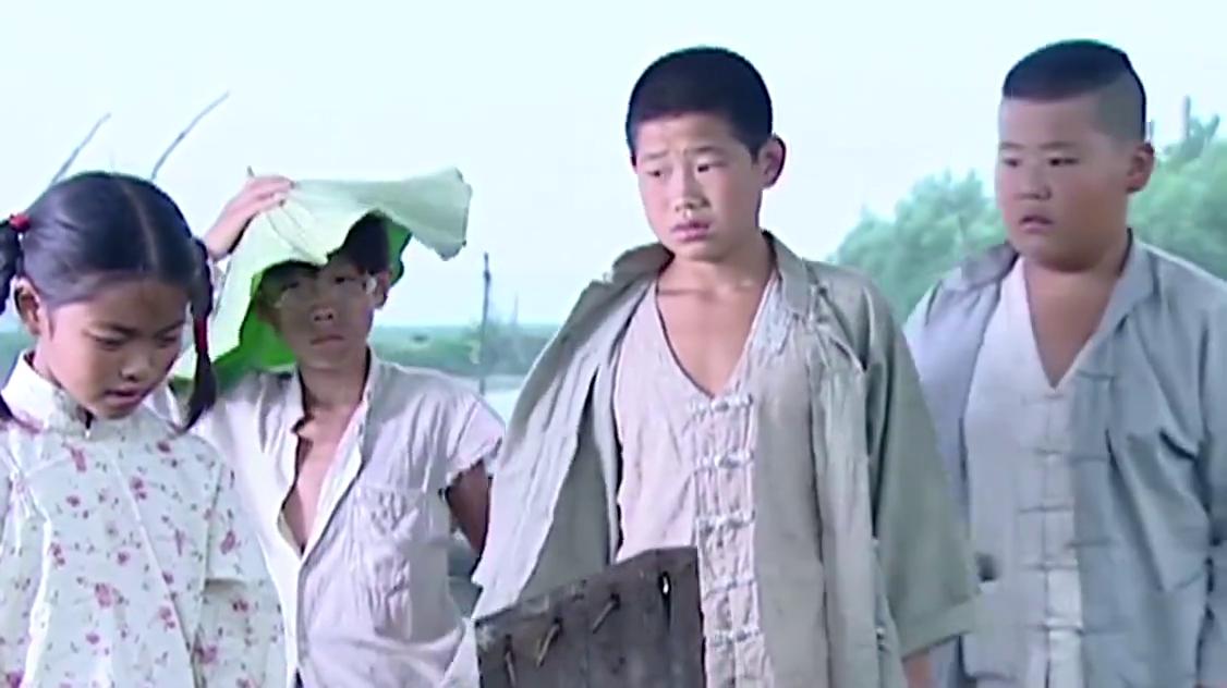 小兵张嘎:英子爷爷奶奶牺牲了,嘎子发誓要报仇