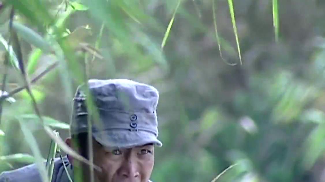 小兵张嘎:石磊执意要杀刘燕,被嘎子半路救下