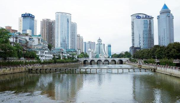 """中国""""发展最快""""的省会,GDP以每年两位数增长,现成为网红城市"""