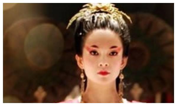 赵丽颖佟丽娅李沁章子怡张曦予巩俐,古装女星精美眼妆谁妖媚美艳