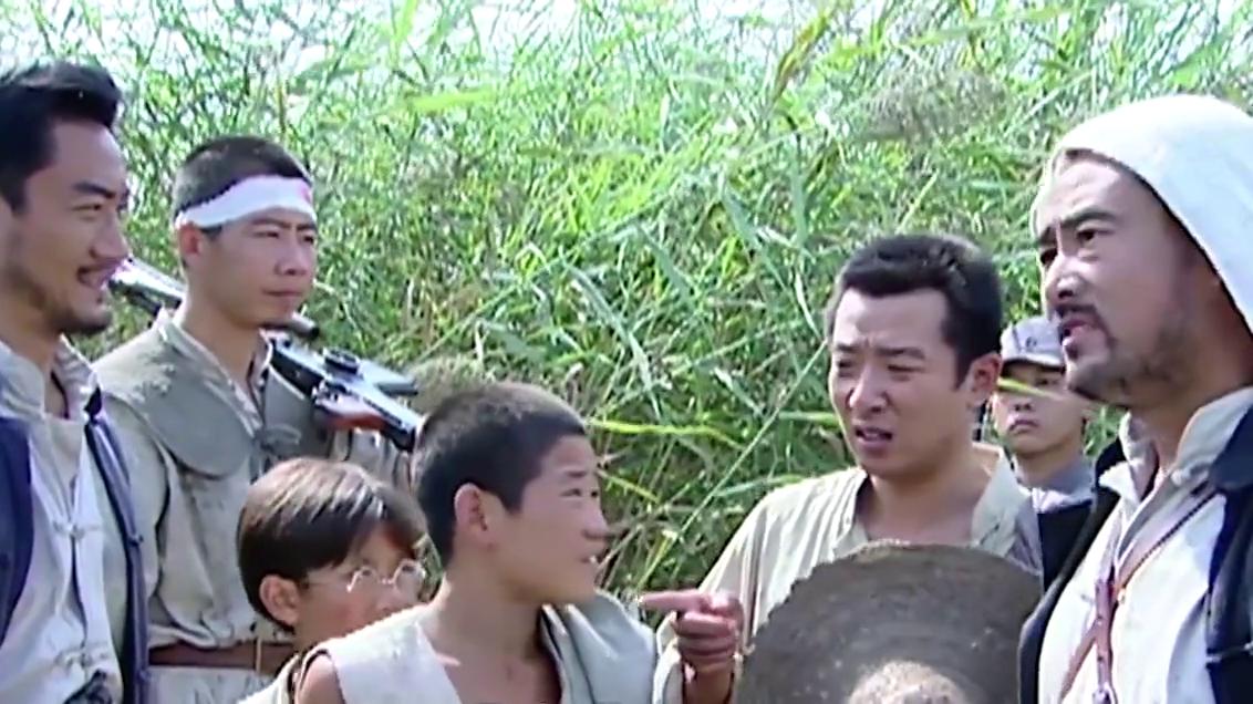 小兵张嘎:钱队长找到了嘎子,瞬间给嘎子一巴掌