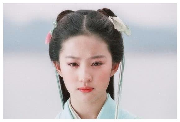 同演农村妇女:李沁风情万种,赵丽颖土萌憨厚,刘亦菲是来搞笑?