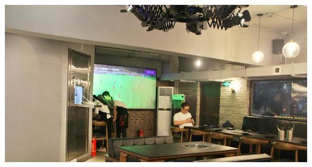 俄罗斯世界杯开赛在即,工体西门的这家烤肉店才是最佳看球处!