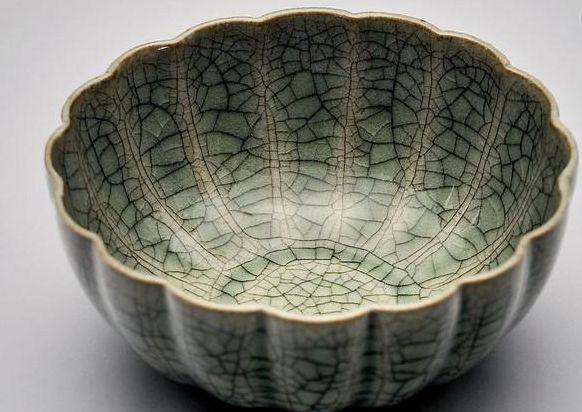 盘点宋代五大名窑之哥窑:在陶瓷史上有举足轻重的地位