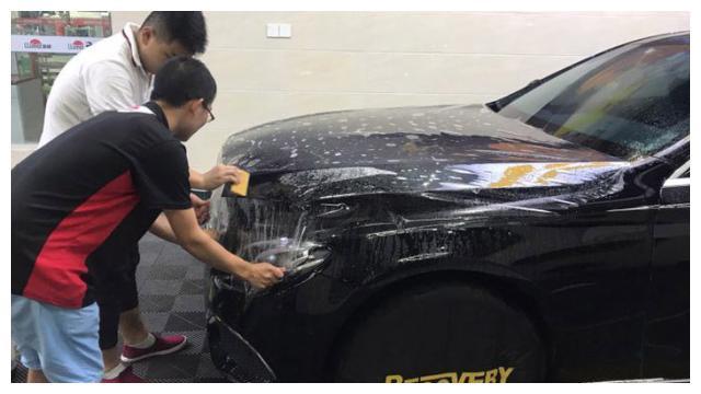炎热的夏季什么时候洗车合适?