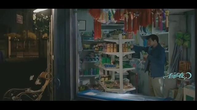 男子来热巴父亲超市,不给钱吃雪糕,莫南霸气教训他