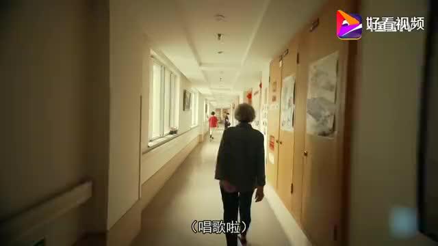 89岁杭州老太卖房周游世界,活成18岁少女,我都羡慕她!