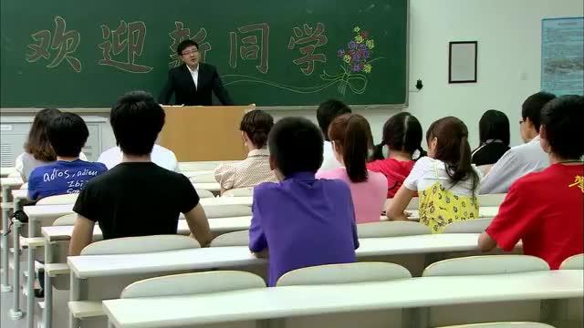 高考状元两门满分,老师当堂点名,同学大呼:没见过这么帅的!