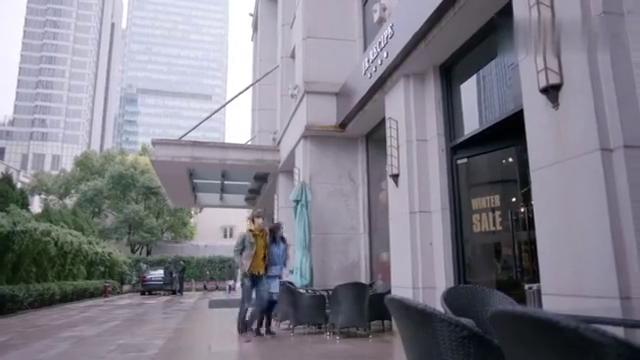 影视:谢晓飞嫌弃童薇买摆件丑,不料童薇动粗,谢晓飞立马改口