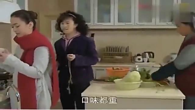 农村婆婆嫌弃儿媳不挣钱,做饭口味重,婆媳当场情绪失控