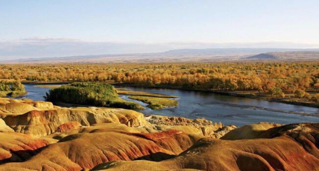 初秋背包选择去新疆旅游,体验富饶而美丽的独特景色!