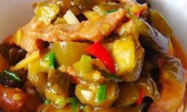 精选美食:虾酱地瓜叶、肉炒酸黄瓜、肉炒金针菇、香菇烧腐竹做法