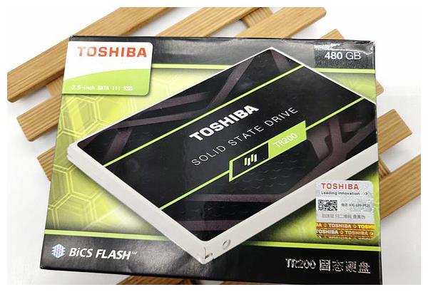 亲民高性价比,1G不足1块钱—东芝TR200固态硬盘助你畅玩