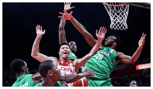 聂卫平满意男篮对尼日利亚表现,心疼3人,叹息对阵波兰早该如此