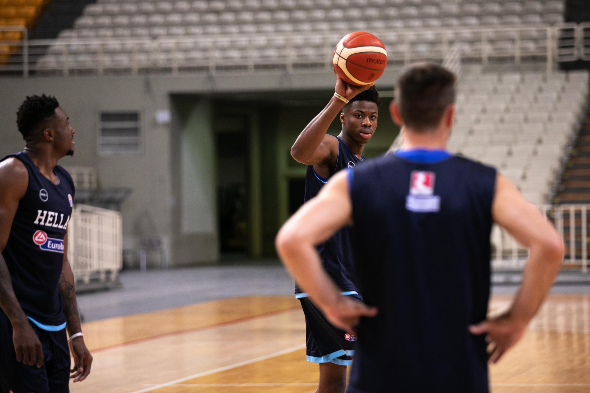 篮球希腊男篮备战集训世界杯的北郊高中图片