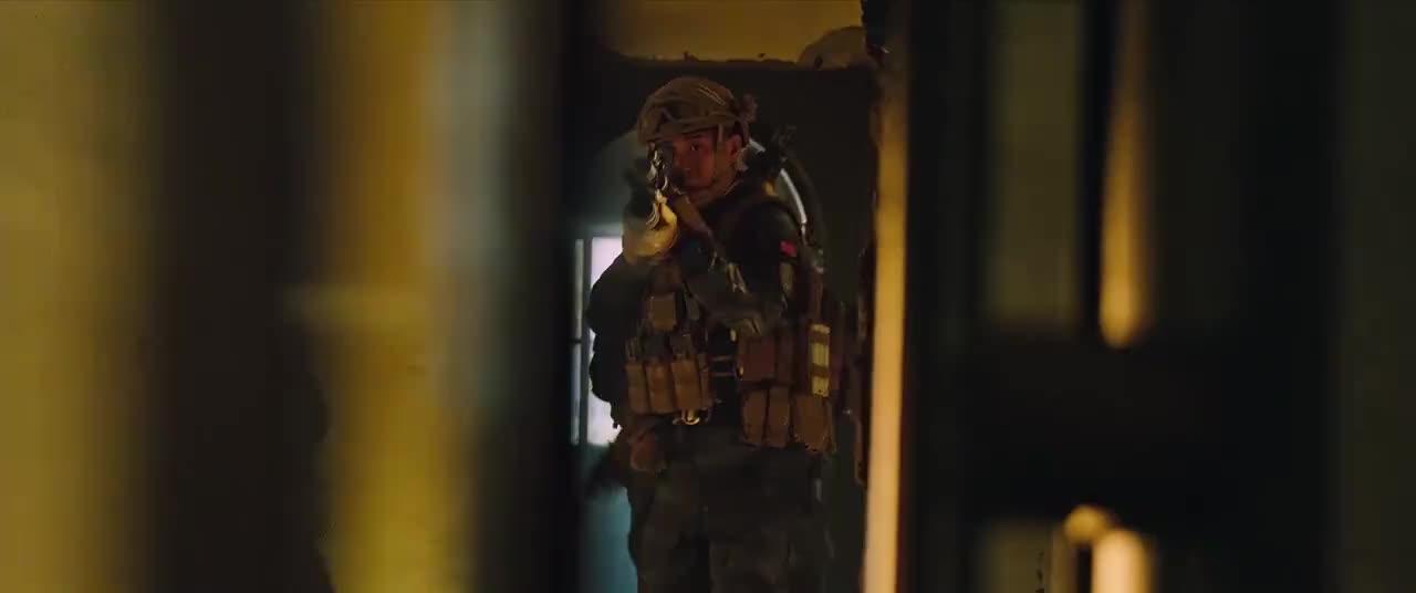 绝对不虚好莱坞国产反恐战争巨制《红海行动》场面真实震撼人心