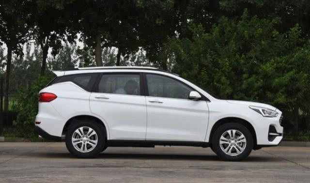 公认的良心SUV,下探到6.6万,和H6一样大,销量连月大增