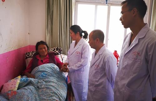 三地医务人员通力合作挽救难产母女生命