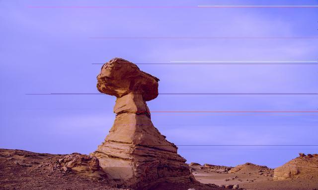 """哈密雅丹 典型的峰丛断崖状雅丹地貌 被人们称之为""""魔鬼城""""!"""