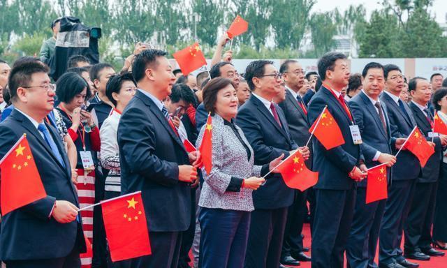 2019中国乌海沙漠葡萄酒文化旅游节开幕