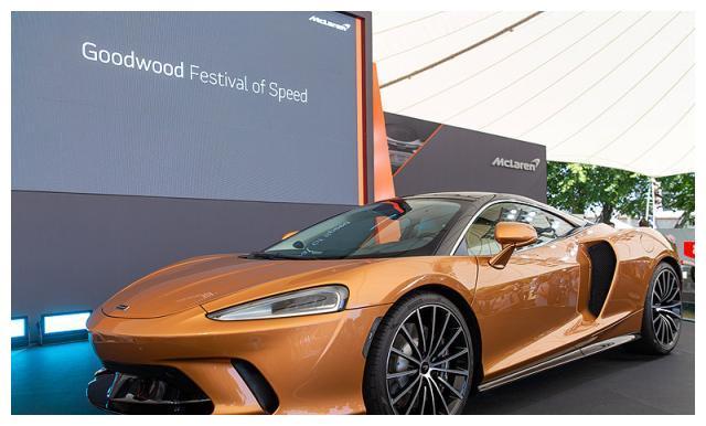 舒适型超跑迈凯伦GT近期在古德伍德赛道上进行了动态展示