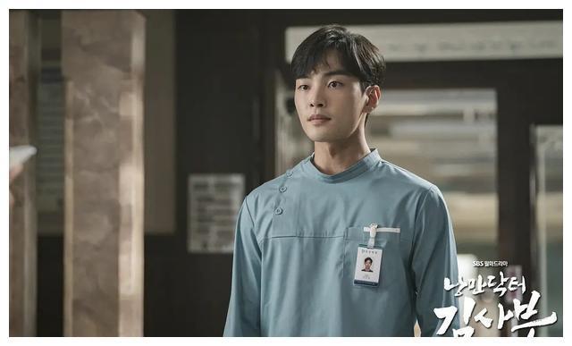 韩石圭新作,2020年第一部爆款韩剧,首播收视14.9%,同档期第一