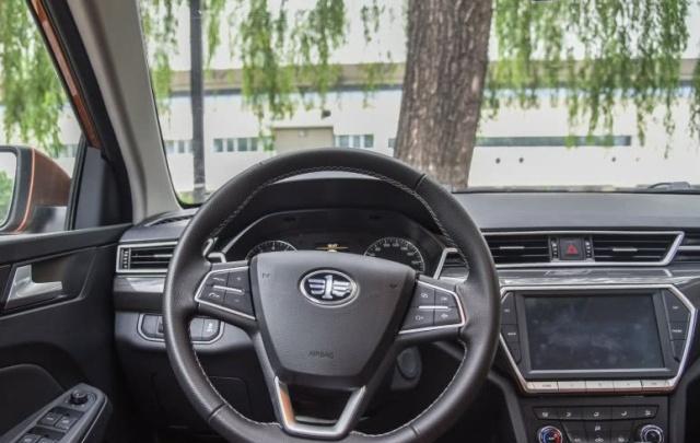 一汽亏本卖车,配大众发动机,油耗6.2L,空间大还买啥丰田