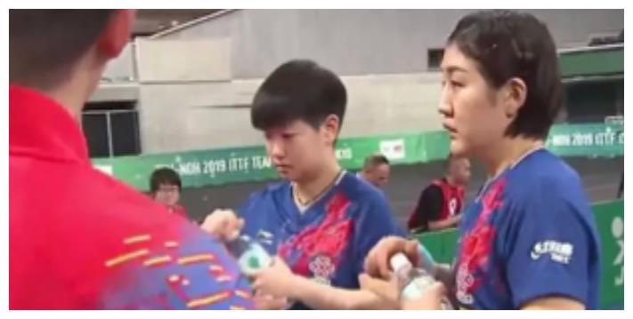 女乒晋级四强!孙颖莎陈梦双打首秀,为何要马琳与李隼共同指导?