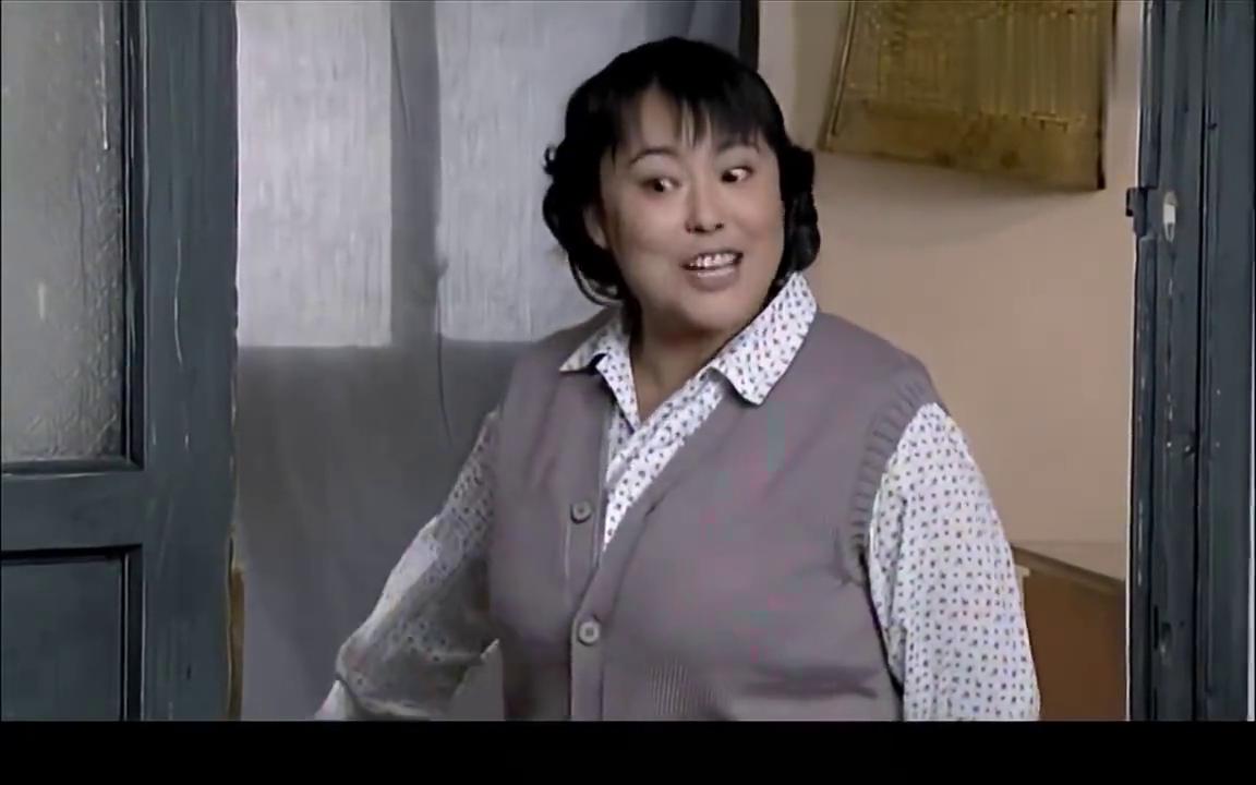 庄嫂拿走佟志家的破柜子,文丽回来却不干了,没经过她同意!
