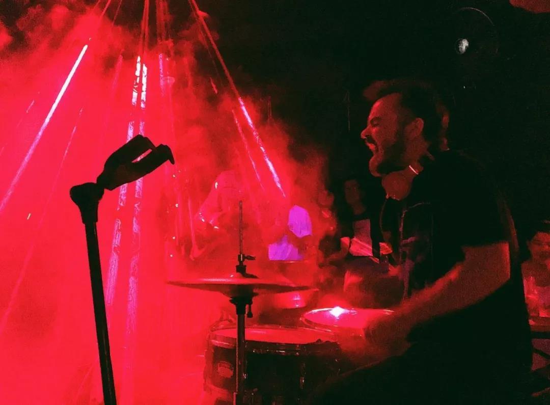迷幻摇滚乐队「解离的真实」签约赤瞳,2020全国巡演公布