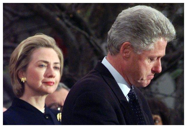 从负资产到16亿身家!10年里,希拉里和克林顿靠什么翻身?