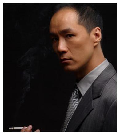 来自北京人艺的八位男演员,都是实力派,多点这样演员该多好!