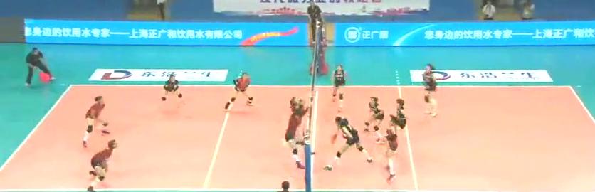 全运会预赛,朱婷这球扣得飞起来了,扣完自己竟忍不住为自己鼓掌