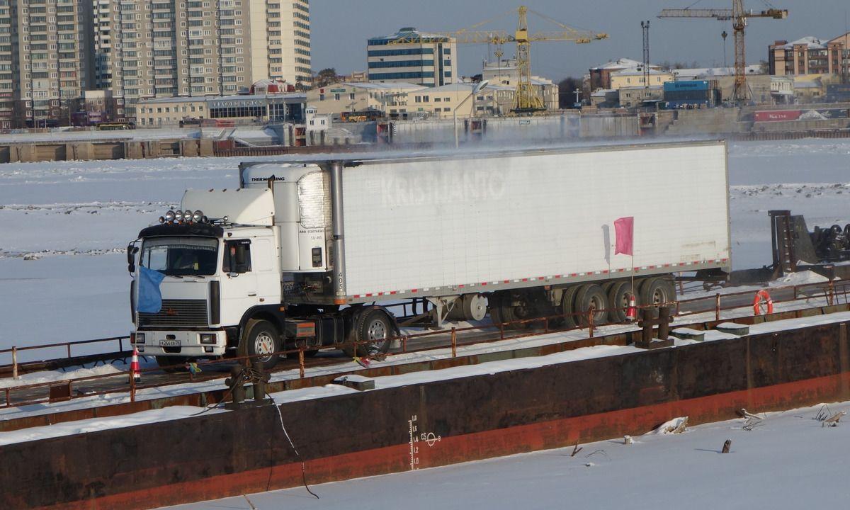 图虫人文摄影:中国黑河与俄罗斯布市货运浮箱固冰通道开通