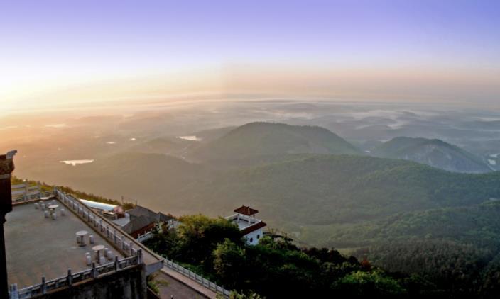 """这座景区很""""无赖"""",山顶不承认山下买的门票,登顶需重新买票"""