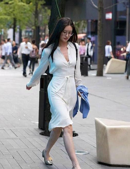 街拍,靓丽时尚风格的美女,优雅可人如美景般让人难忘