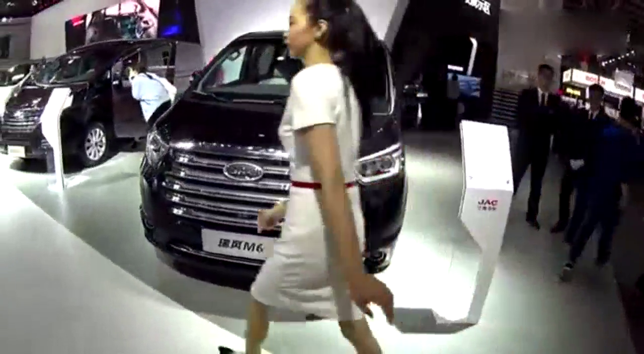视频:主打高端商务风格,全新MPV,江淮瑞风M6正式发布