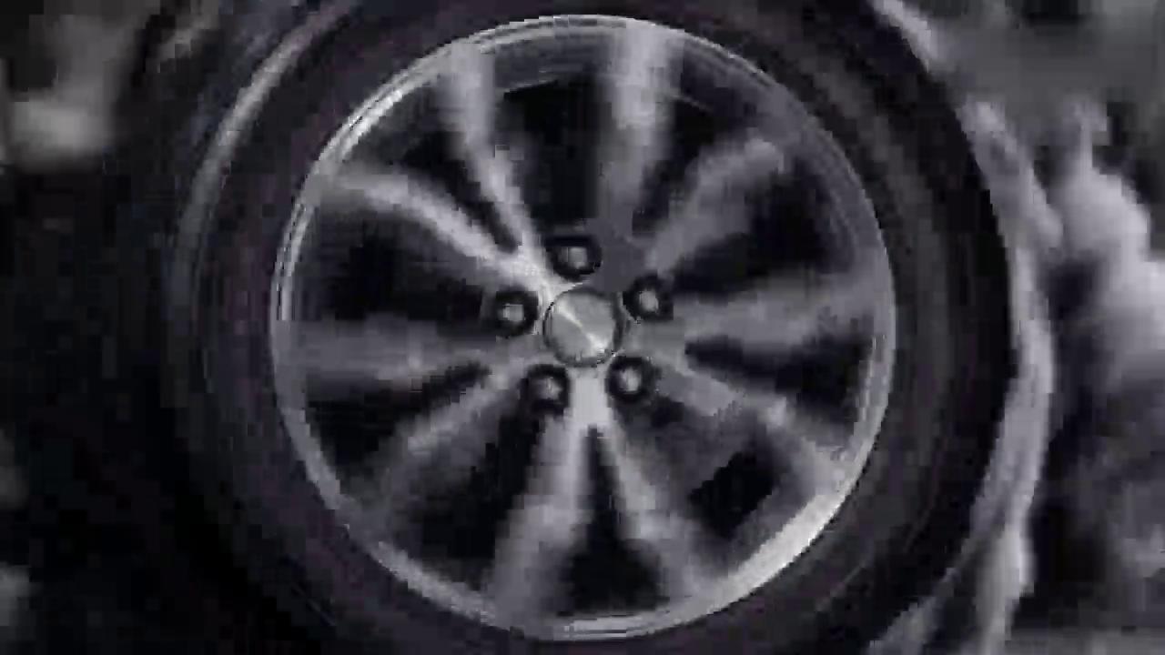 视频:山寨发现4的欧尚X70A 难道不是面包车装上SUV的壳?
