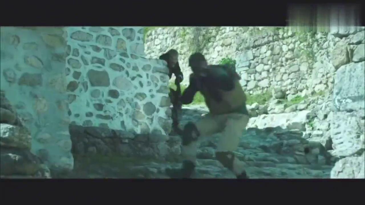 最新欧美枪战猛片,毒贩利用天时地利,作死和警察对攻,相当火爆