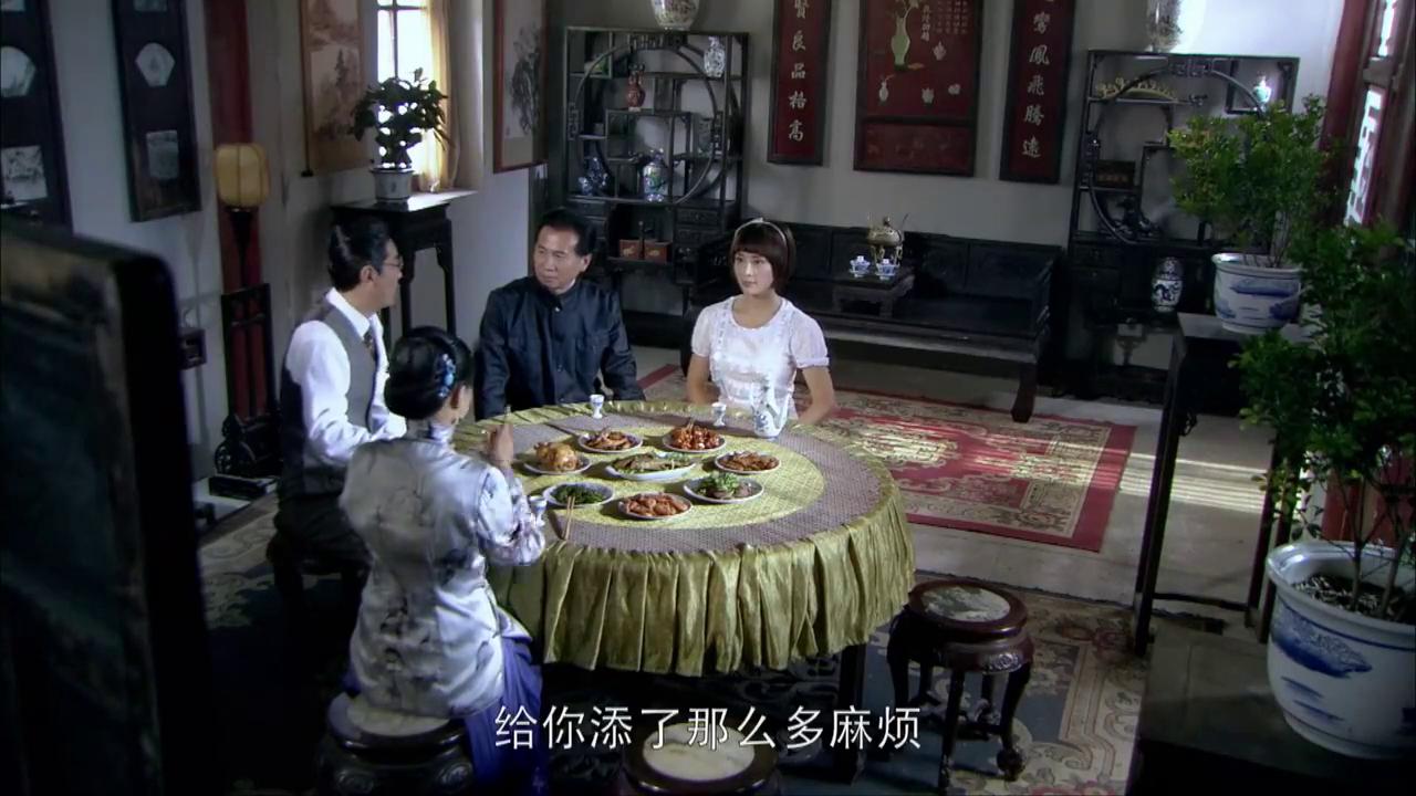 怪医文三块:朱一龙当众求婚白富美,结果把人家吓跑了,尴尬了!