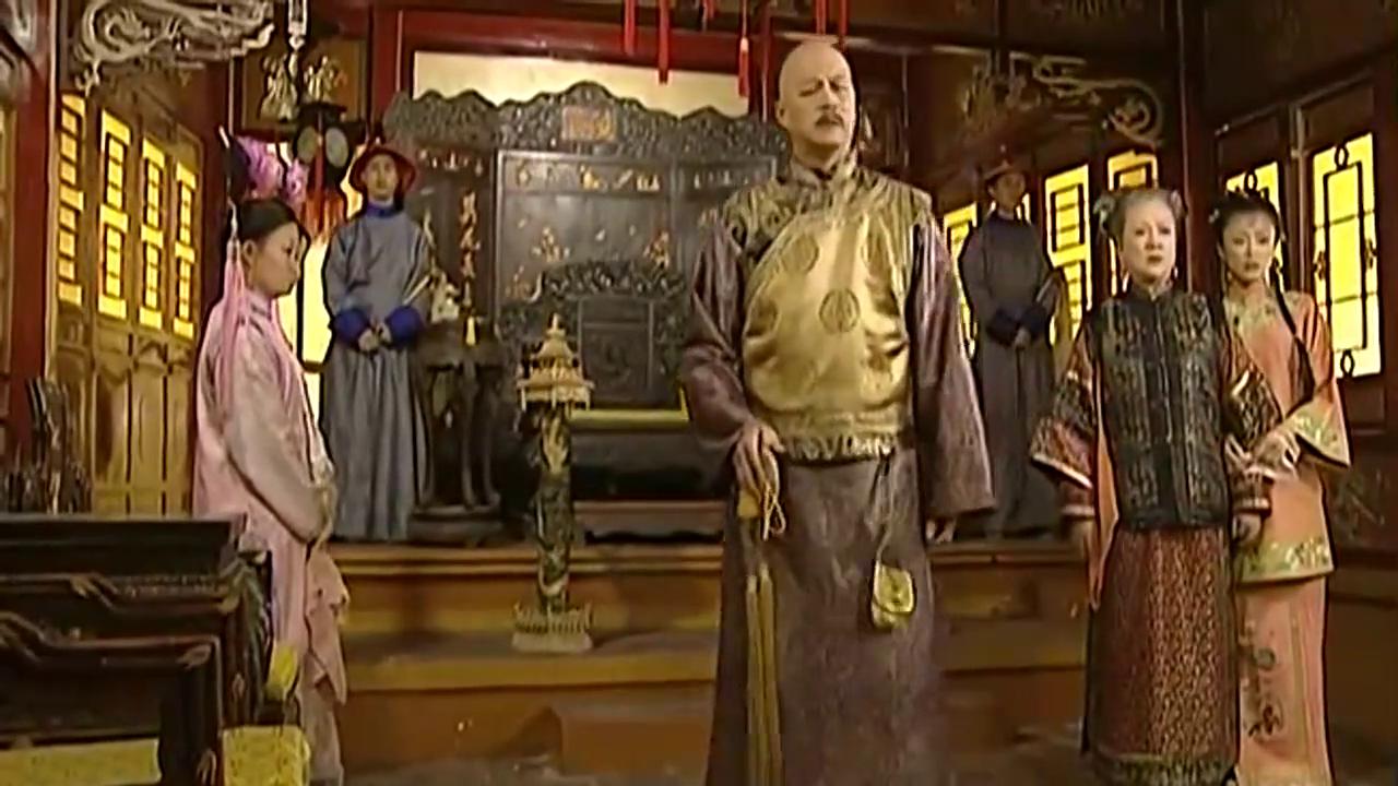 还珠格格:皇上打道回府,令妃担心紫薇的身体!